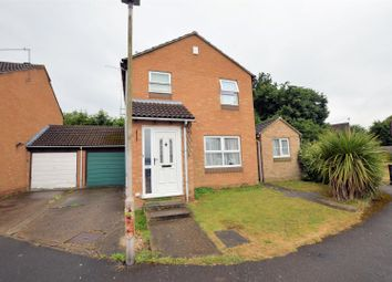 Thumbnail 3 bed detached house for sale in Midwinter Close, Tilehurst, Reading
