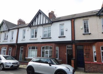 Thumbnail Room to rent in North Parade, York