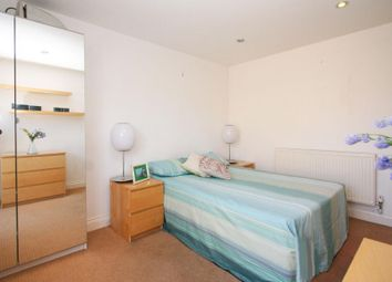 Thumbnail 5 bed flat to rent in Grove Street, London