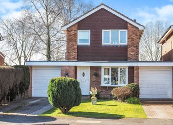 Thumbnail 3 bed detached house for sale in Walford Grove, Warwick