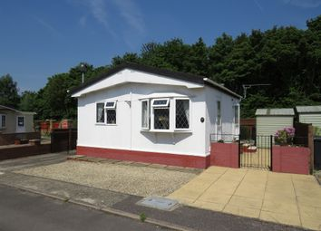 Thumbnail 2 bed mobile/park home for sale in Kiln Close, Sandford-On-Thames, Oxford