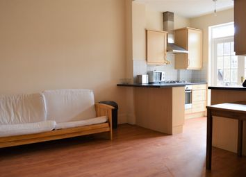 Thumbnail 2 bed flat to rent in Jeffreys Road, Clapham