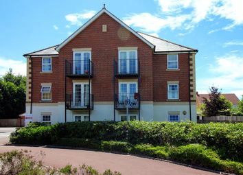 Thumbnail 2 bed flat to rent in Harrow Road, Fleet