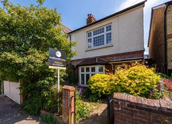 3 bed property for sale in Shrewsbury Road, Redhill RH1