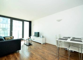 Thumbnail 1 bed flat to rent in Proton Tower, Blackwall Way, Canary Wharf