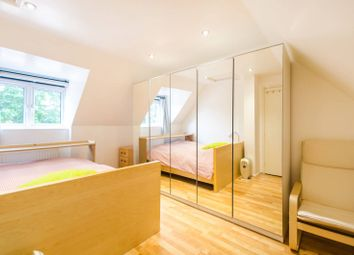 3 bed property to rent in Emerald Close, Beckton, London E16