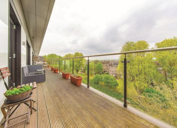 Thumbnail 2 bed flat for sale in Georgeview House, Earlsfield