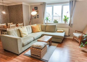 Thumbnail 2 bed flat to rent in Clos Dewi Sant, Cardiff