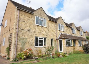 Thumbnail 2 bed flat for sale in Croughton Road, Banbury