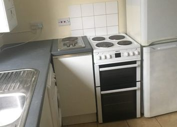 2 bed flat to rent in St Helens Avenue, Swansea SA1