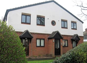 1 bed flat to rent in Ashley Court, Lassell Gardens, Maidenhead, Berkshire SL6