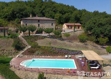 Thumbnail 6 bed villa for sale in Mercatello, Umbria, It