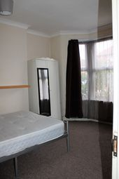 Thumbnail 5 bed terraced house to rent in Crownfield Road, Stratford