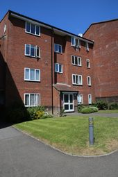 Thumbnail 1 bed flat to rent in Railway Approach, East Grinstead
