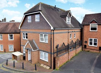 2 bed flat for sale in Lower South Street, Godalming, Surrey GU7