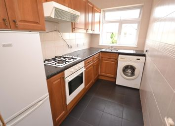 2 bed maisonette to rent in Station Road, Finchley N3