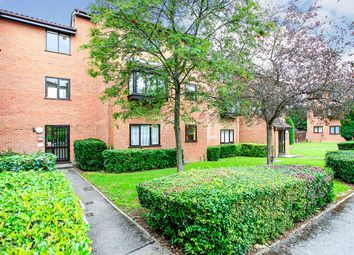 Astra Court, King Georges Avenue, Watford, Hertfordshire WD18. 2 bed flat