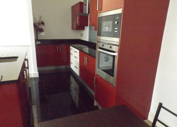 Thumbnail 2 bed flat to rent in Wollaton Street, Nottingham