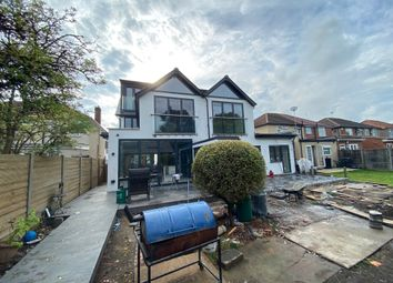 Thumbnail 3 bed flat to rent in Lothian Avenue, Hayes
