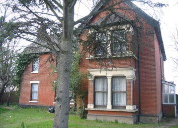Thumbnail 1 bed flat to rent in 149 Wennington Road, Rainham