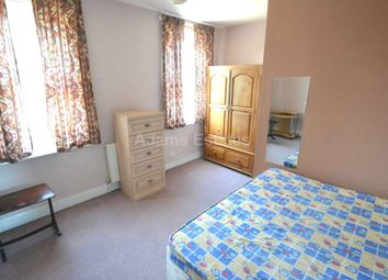 Thumbnail 4 bed flat to rent in Basingstoke Road, Spencers Wood, Reading