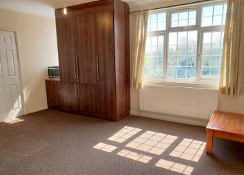 Thumbnail Studio to rent in Greenman Lane, Feltham, Middlesex