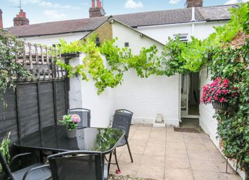 2 bed cottage for sale in Ryarsh Lane, West Malling ME19