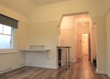 Thumbnail 1 bed flat to rent in Bluehouse Lane, Oxted