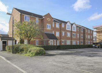 Thumbnail 2 bedroom flat for sale in Linwood Crescent, Enfield