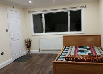 Thumbnail Studio to rent in Hanworth Road, Hounslow