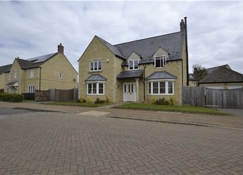 Thumbnail 5 bedroom detached house for sale in Elmhurst Way, Carterton, Oxfordshire