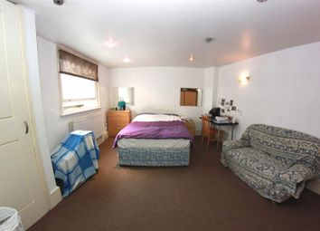 Thumbnail 3 bed property to rent in Mile End Road, London