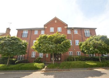 Thumbnail 2 bed flat to rent in Woodberry Close, London