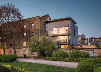 Tyers Gate, London SE1. 4 bed mews house for sale