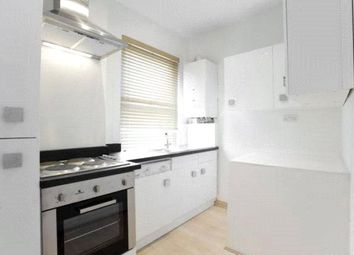 2 bed flat to rent in High Road, Finchley, London N12