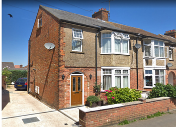 3 bed semi-detached house to rent in Havelock Street, Aylesbury HP20
