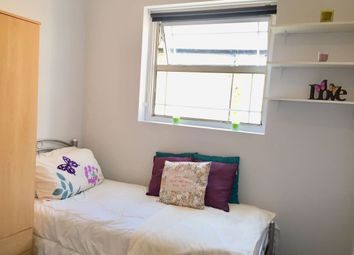 Thumbnail Room to rent in Greenlane, Goodmayes, Ilford