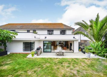 Chichester Drive East, Saltdean, Brighton, East Sussex BN2. 5 bed detached house