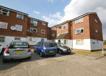 Thumbnail 1 bed flat to rent in Droveway, Loughton