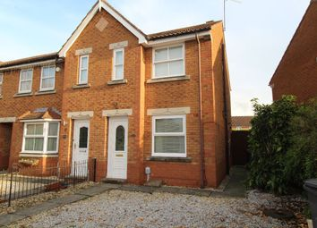 2 bed semi-detached house to rent in Lindengate Avenue, Hull HU7