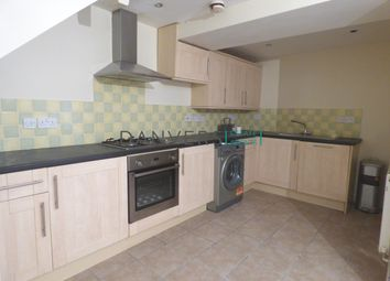 2 bed flat to rent in University Road, Leicester LE1