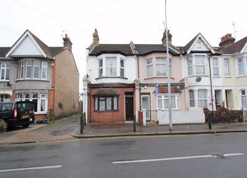 Thumbnail 1 bedroom flat to rent in Bournemouth Park Road, Southend On Sea, Essex