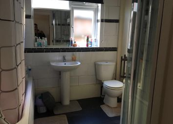 Thumbnail 2 bed flat to rent in Clementina Rd, London