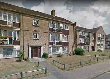 Thumbnail 2 bed flat to rent in Beautiful Newly Refurbished, Spacious 2 Bedroom Flat, Enfield