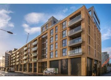 3 bed flat for sale in Norman Road, London SE10