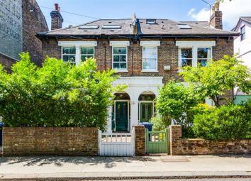 Acton Lane, London W4. 1 bed flat