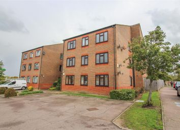 Pegrams Road, Harlow CM18. 2 bed flat for sale
