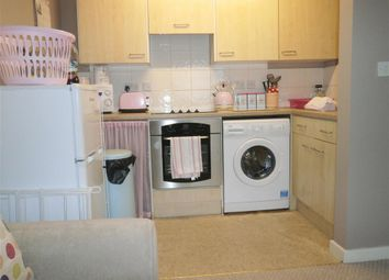 Thumbnail 1 bed flat for sale in York Avenue, East Cowes, Isle Of Wight