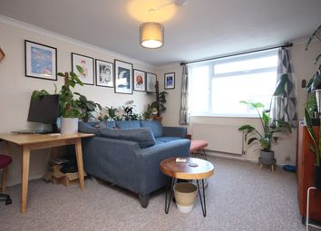 2 bed flat to rent in Marlowes, Hemel Hempstead HP1