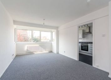 Thumbnail 1 bed flat to rent in Alexandra Grove, North Finchley
